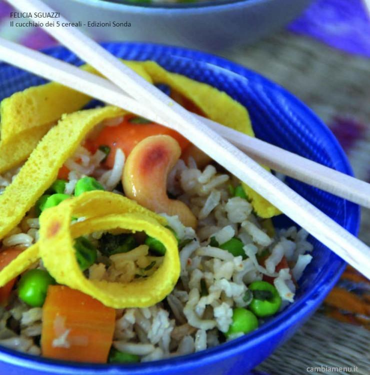 Cambia menu riso alla cinese con frittatine ricette for Menu cinese ricette
